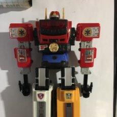 Figuras y Muñecos Transformers: TRANSFORMER BANDAI JAPAN 1983/84-FORMADO POR 5 VEHICULOS. Lote 159013526