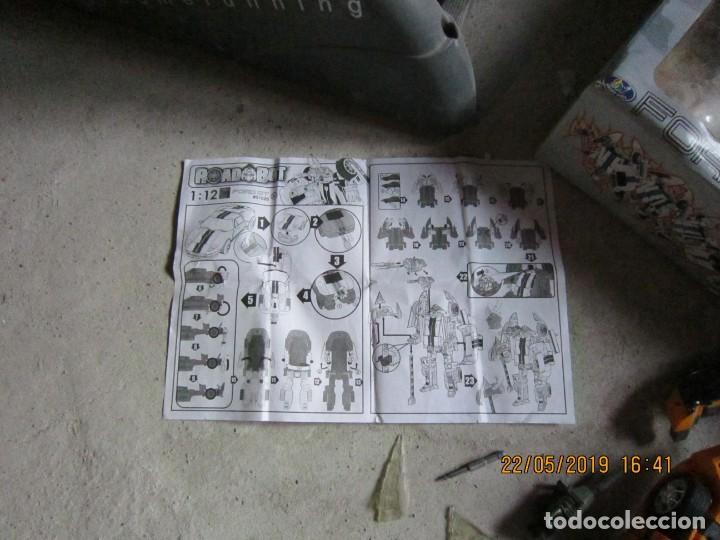 Figuras y Muñecos Transformers: COCHE TRANSFORMABLE EN ROBOT Y VICEVERSA ESCALA 1:12 CON CAJA ORIGINAL. - Foto 2 - 165351126