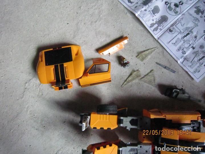 Figuras y Muñecos Transformers: COCHE TRANSFORMABLE EN ROBOT Y VICEVERSA ESCALA 1:12 CON CAJA ORIGINAL. - Foto 4 - 165351126