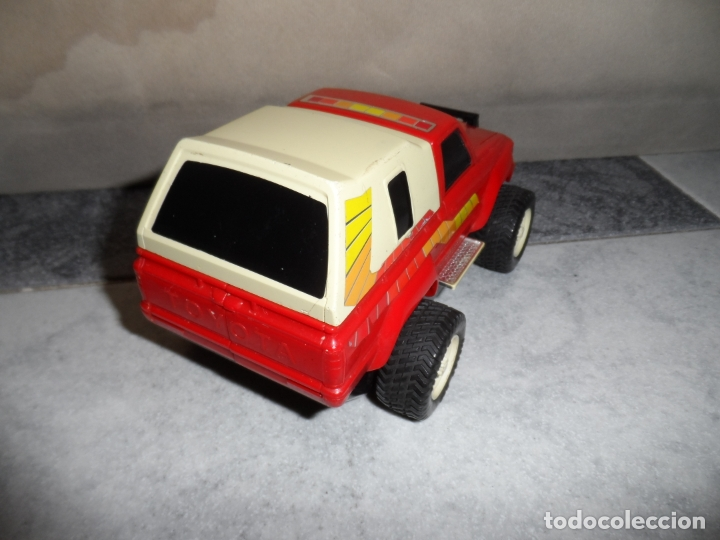 Figuras y Muñecos Transformers: FIGURA ROBO MACHINE (GOBOTS) THE WINCH TOYOTA HILUX 1984 BANDAI - Foto 2 - 177937935