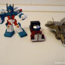 Figuras y Muñecos Transformers: 3 FIGURAS ARTICULADAS TRANSFORMES EN MINIATURA. 2 SE TRANSFORMAN Y 1 ES FIJA.. Lote 178176700