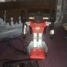 Figuras y Muñecos Transformers: TRANSFORMER CON MANDO . 1985 HANG TJUK IND. CO. LTD., SIN PROBAR. Lote 203461395