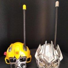 Figuras y Muñecos Transformers: BUMBLEBEE Y MEGATRON - WALKIE TALKIE - TRANSFORMERS -. Lote 210224458