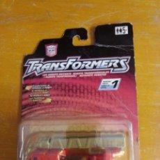Figuras y Muñecos Transformers: TRANSFORMERS OPTIMUS PRIME HASBRO AÑO 2001. Lote 211446430