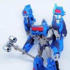 Figuras y Muñecos Transformers: FIGURA DEL AUTOBOT ULTRA MAGNUS DE LA SERIE TRANSFORMERS PRIME BEAST HUNTERS CLASE VOYAGER. Lote 216819893