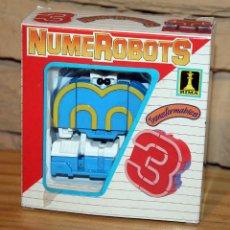Figuras y Muñecos Transformers: NUMEROBOTS - ROBOT TRANSFORMABLE - NUMERO 3 - RIMA - EN SU CAJA ORIGINAL - AÑOS 80. Lote 222798710