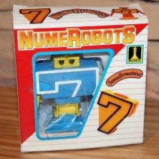 Figuras y Muñecos Transformers: NUMEROBOTS - ROBOT TRANSFORMABLE - NUMERO 7 - RIMA - EN SU CAJA ORIGINAL - AÑOS 80. Lote 222798798