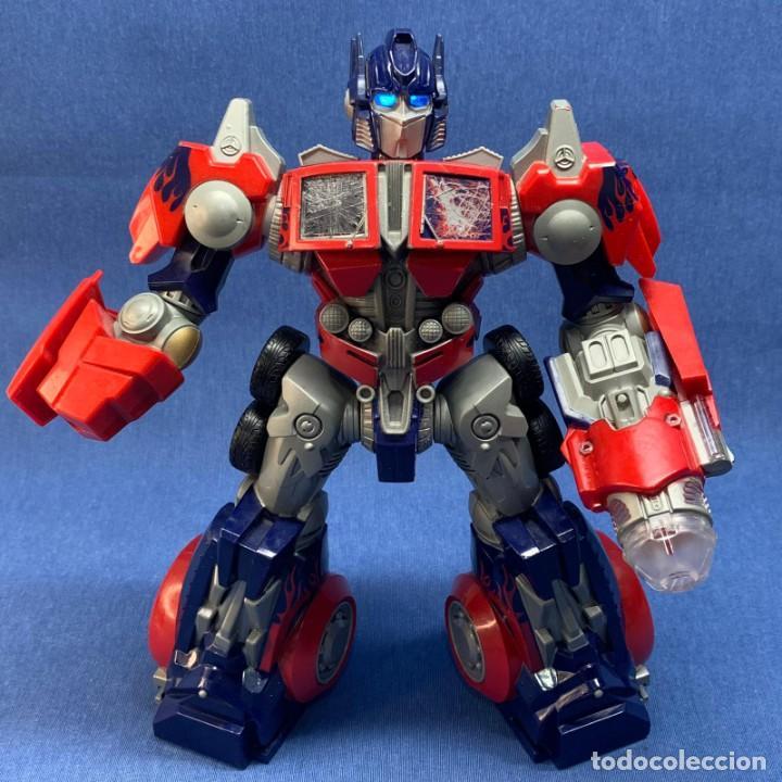 FIGURA TRANSFORMERS - OPTIMUS PRIME - HASBRO - AÑO 2006 - 29 CM - FUNCIONA LA LUZ Y EL SONIDO (Juguetes - Figuras de Acción - Transformers)