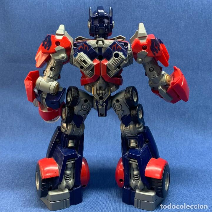Figuras y Muñecos Transformers: FIGURA TRANSFORMERS - OPTIMUS PRIME - HASBRO - AÑO 2006 - 29 CM - FUNCIONA LA LUZ Y EL SONIDO - Foto 2 - 223131066