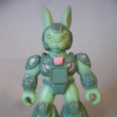 Figuras y Muñecos Transformers: BATTLE BEASTS BESTIAS DE COMBATE PINK HARE RAZING RABBIT VARIANTE ESPAÑOLA TAKARA HASBRO 1986. Lote 226060175