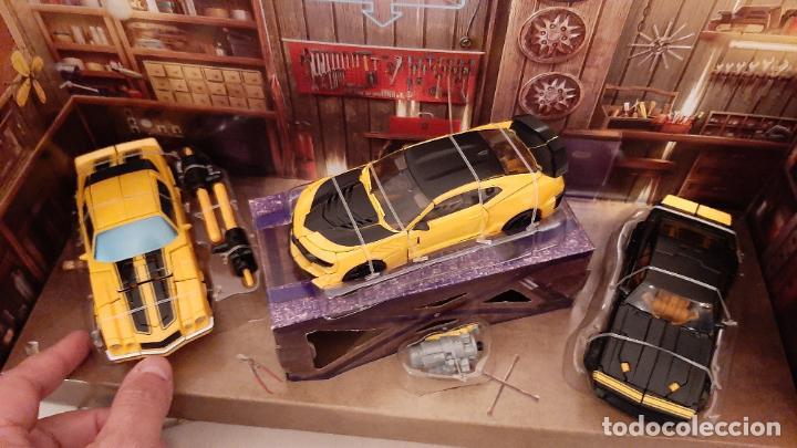 Figuras y Muñecos Transformers: TRANSFORMERS BUMBLEBEE TRIBUTE HIVE COCHE CHEVROLET CAMARO TRIO 1967 1977 2016 HASBRO - Foto 6 - 237561340