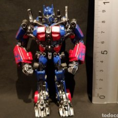 Figuras y Muñecos Transformers: LLAVERO TRANSFORMERS OPTIMUS PRIME. FIGURA SIN ARTICULACIÓN. HASBRO. AÑO 2009. Lote 238054820