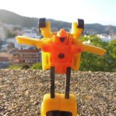 Figuras y Muñecos Transformers: TRANSFORMERS MINI MICRO COCHE AMARILLO SIN MARCA BOOTLEG PLÁSTICO KIOSKO. Lote 264695504