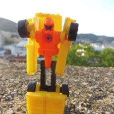 Figuras y Muñecos Transformers: TRANSFORMERS MINI MICRO JEEP AMARILLO SIN MARCA BOOTLEG PLÁSTICO KIOSKO. Lote 264695769
