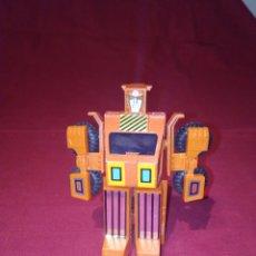 Figuras y Muñecos Transformers: ANTIGUO CAMIÓN TRANSFORMERS MC TOYS. Lote 270159258