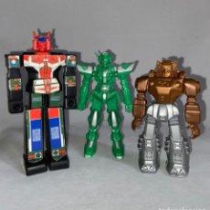 Figuras y Muñecos Transformers: LOTE DE 3 FIGURAS DE PVC Y PLÁSTICO DE LOS TRANSFORMERS -. Lote 276189318