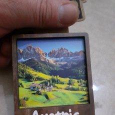 Folletos de turismo: IMAN NEVERA MADERA CON RELIEVE AUSTRIA NUEVO. Lote 248304560