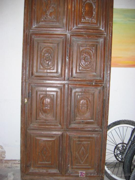 puerta de cuarterones antigua en madera comprar