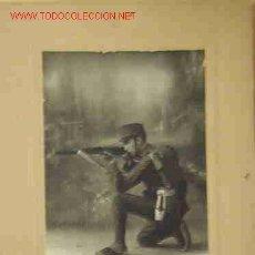 Fotografía antigua: FOTO DE UN SOLDADO DE ARTILLERÍA. Lote 14043589