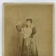 Fotografía antigua: MAJA CON ABANICO. INTERESANTE FOTOGRAFÍA DE SEÑORITA. CIRCA 1880. F: ALOHNER. HABANA. CUBA. Lote 20438405
