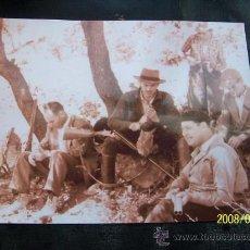 Fotografía antigua: FOTOGRAFÍA ( COPIA ) DE CAZADORES - MEDIDAS: 23 X 29 CM.. Lote 16143588
