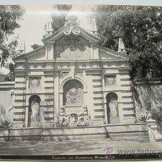 Fotografía antigua: ANTIGUA FOTOGRAFIA ALBUMINA DE SEVILLA - LA FUENTE DE CATALINA RIVERA - FOTO LINARES - MIDE 24 X 18 . Lote 26563388