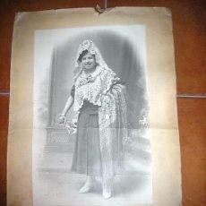 Fotografía antigua: PRECIOSA FOTOGRAFÍA DE MUJER FIRMADA A MANO POR MONTES SEGOVIA. Lote 27530471