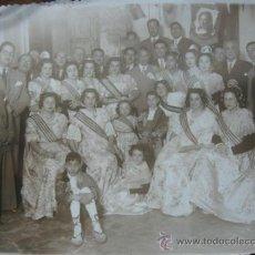 Fotografía antigua: ANTIGUA FOTOGRAFIA, VALENCIANAS, AÑO 1949. FOTOS SENA VALENCIA, TROQUELADA. 17 X 11 CM.. Lote 16983872