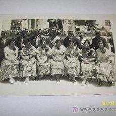 Fotografía antigua: ANTIGUA FOTOGRAFÍA ( 10 X 15 CM.)- BELLEZAS DE FOGUERA Y COMISIÓN- S/F.POSIBLEMENTE DE ALICANTE?. Lote 19044438
