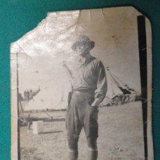 Fotografía antigua: FOTO DE UN GRUPO DE SOLDADOS EN AFRICA, 7 X 9 CM APROX.. Lote 21817639