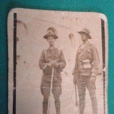 Fotografía antigua: FOTO DE UN GRUPO DE SOLDADOS EN AFRICA, 7 X 9 CM APROX.. Lote 21817650