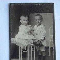 Fotografía antigua: BONITA FOTOGRAFIA ANTIGUA PRIMEROS DE SIGLO CARTE DE VISITE CDV. Lote 23406679