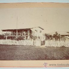 Fotografía antigua: ANTIGUA Y ORIGINAL FOTOGRAFIA ALBUMINA DEL CUARTEL DE MILITARES ESPAÑOLES EN SANTA ISABEL - GUINE. Lote 26578094