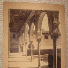 Fotografía antigua: GRANADA Nº 9. ALHAMBRA GALERÍA EN EL PATIO DE LOS ARRAYANES. GARZÓN FOTÓGRAFO. ALBÚMINA SOBRE CARTÓN. Lote 24407637