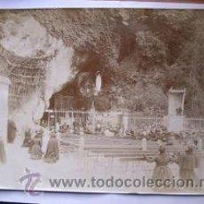 Fotografía antigua: FOTOGRAFIA ANTIGUA DE LOURDES. ALBUMINA. 25 X 18. Lote 27593831