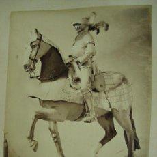 Fotografía antigua: J. LAURENT . ARMADURA ECUESTRE DEL MARQUES DE VILLENA. Lote 24910755