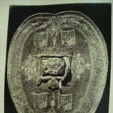Fotografía antigua: J. LAURENT . ELEGANTE ADARGA VACARI DE LOS MENDOZAS. Lote 24910842
