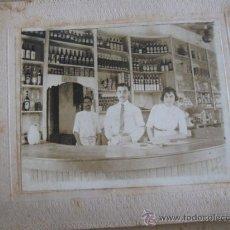 Fotografía antigua: CAMAREROS EN ALVARADOS, VERACRUZ MEXICO 1914, MONTADA SOBRE CARTON. MIDE 14X12CM.. Lote 25876851