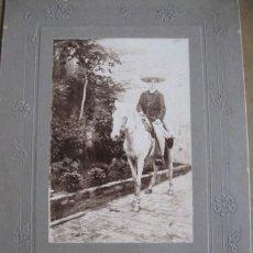 Fotografía antigua: MEXICANO EN CABALLO, PP.SG.XX. PUEBLA MEXICO. MONTADA/CARTON RELIEVE. MIDE 15 X 23 CM.. Lote 25876881