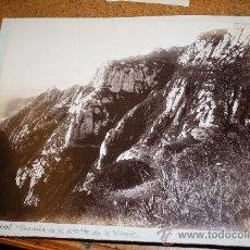 Fotografía antigua: LOTE DE 2 FOTOGRAFIAS DE MONTSERRAT. BARCELONA. BUEN CONTRASTE. CATALUÑA. Lote 26905749