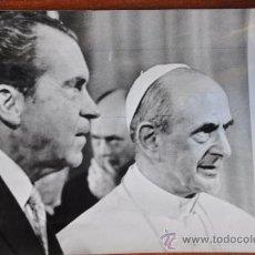 Fotografía antigua: FOTOGRAFIA ORIGINAL RICHARD NIXON CON PAPA PABLO VI 1970. Lote 28305815