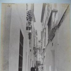 Fotografia antica: Nº 1202. UNA CALLE DE SEVILLA. FOTÓGRAFO GARZÓN. GRANADA. Lote 29586098