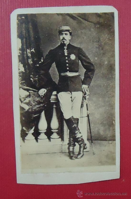 FOTOGRAFÍA DE CARLOS VII. ANTONIA SANTOS MONDOÑEDO, LUGO. (CARLISMO). 9,7 X 5,7 CM (Fotografía Antigua - Albúmina)