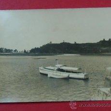 Fotografía antigua: FOTOGRAFÍA DE RIBADESELLA, ASTURIAS. 9 X 13,5 CM. Lote 29815109