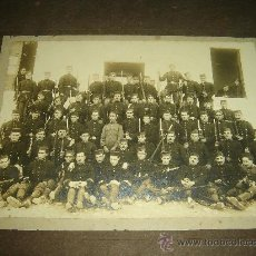 Fotografía antigua - MILITARES - GRUPO SOLDADOS - Fotografía antigua montada en cartoné Original de época - Gran formato - 30416575