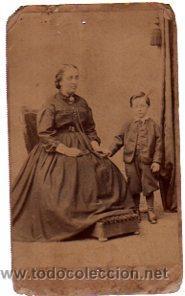 Fotografía antigua: FOTOGRAFÍA ALBÚMINA DUMAIN Y ORCHARD, MUJER Y NIÑO POSANDO, 6 POR 11CM - Foto 2 - 31068320