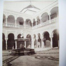 Fotografía antigua: 1888-PATIO DE LA CASA DE PILATOS.SEVILLA. FOTÓGRAFO CASTILLO. FOTO ORIGINAL.ALBÚMINA. Lote 31243742