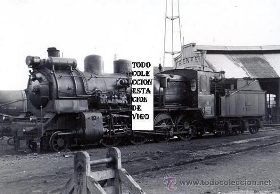 FOTOGRAFIA ORIGINAL 1965 ESTACION FFCC URZAIZ VIGO RENFE - LOCOMOTORA OESTE 140 2479 (Fotografía Antigua - Albúmina)