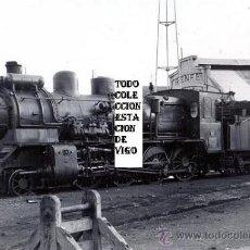 Fotografía antigua: FOTOGRAFIA ORIGINAL 1965 ESTACION FFCC URZAIZ VIGO RENFE - LOCOMOTORA OESTE 140 2479. Lote 33107206