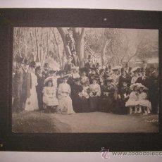 Fotografía antigua: TRASMIERA,FOTO ANTIGUA,INTERESANTE GRUPO DE PERSONAS DE FINALES DEL SIGLO XIX, SLOANPHOT. Lote 33239399